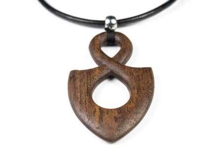 Colier din lemn Infinity nuc american